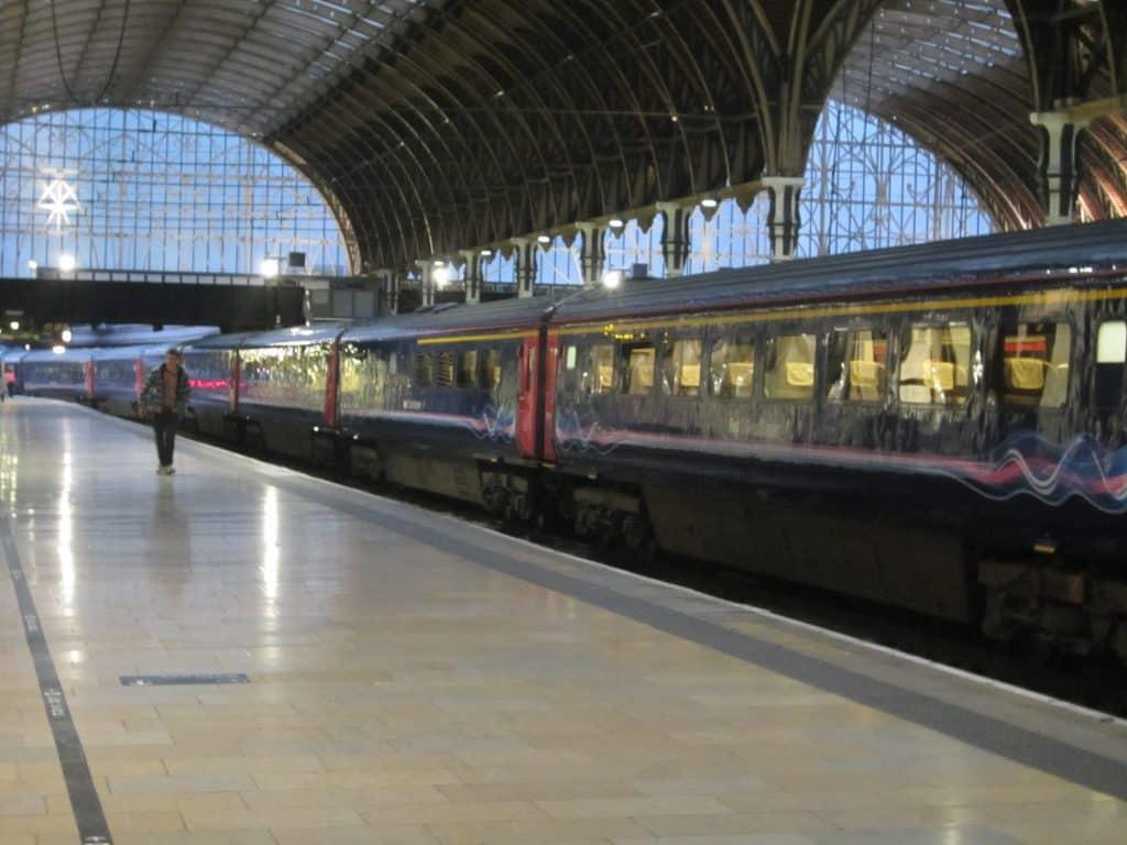 train-at-paddington-station