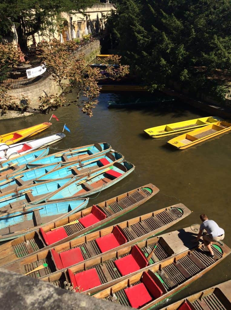 punting-boats-in-oxford