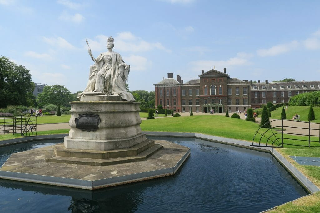 Fountain in front of Kensington Palace in Hyde Park London