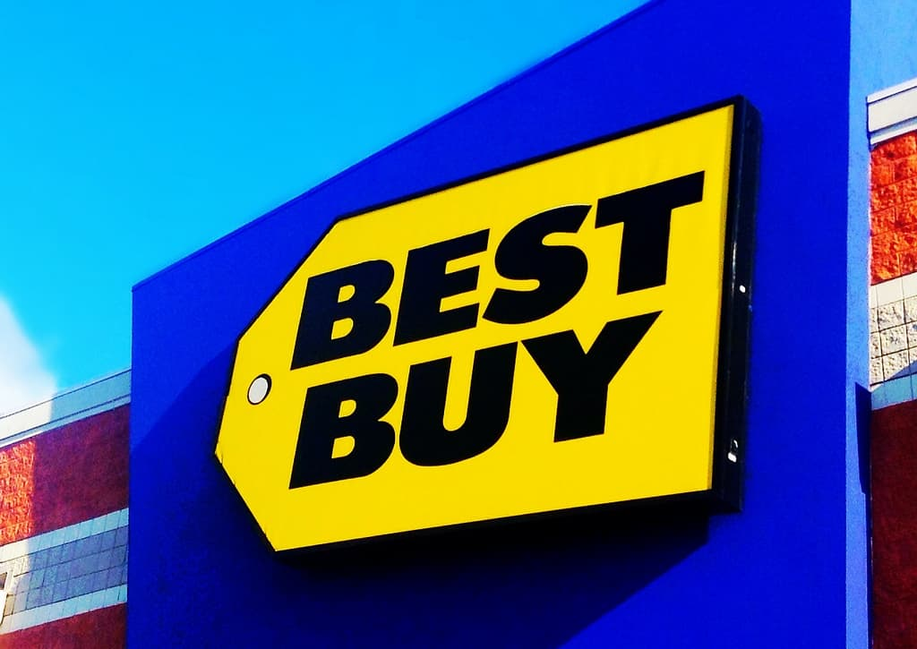 Is there a Best Buy in the UK or London? - girl gone london