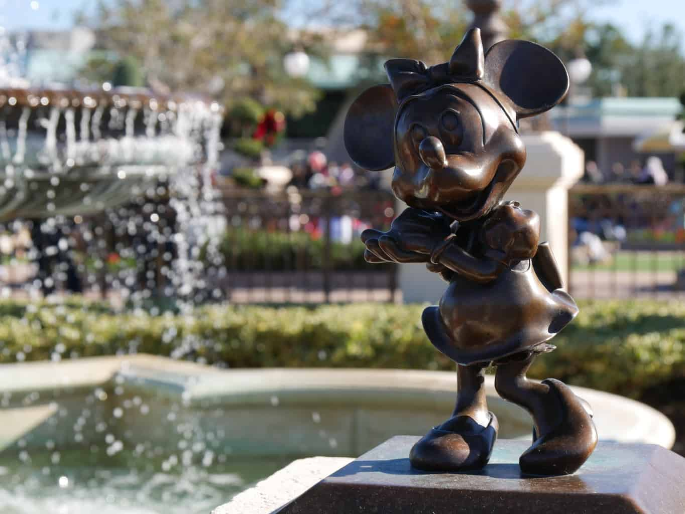 Minnie Mouse fountain at Walt Disney World Florida