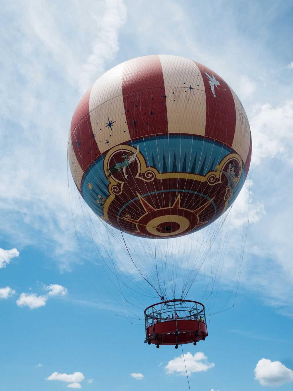 disney-springs-balloon