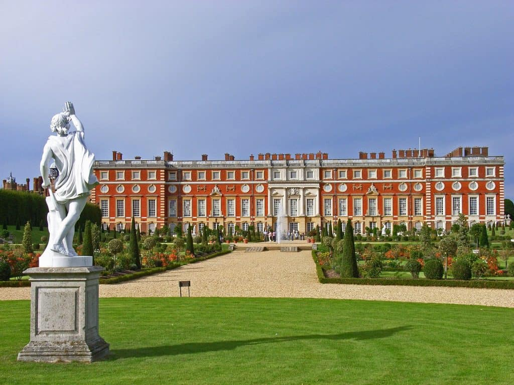 Statue in front of Hampton Court Palace