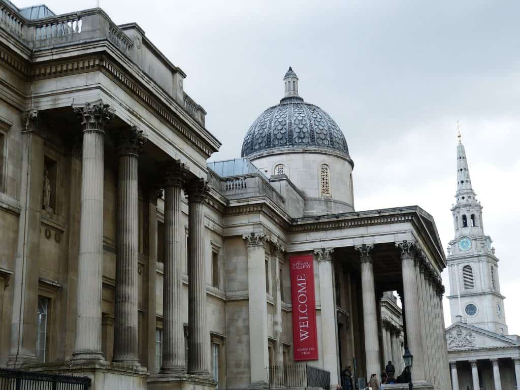 The National Gallery in London from the side