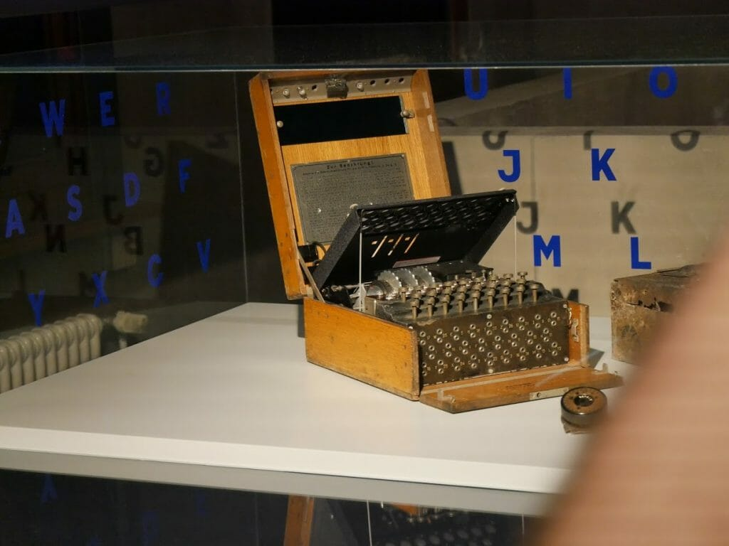 An Enigma machine at the German Spy Museum, Berlin