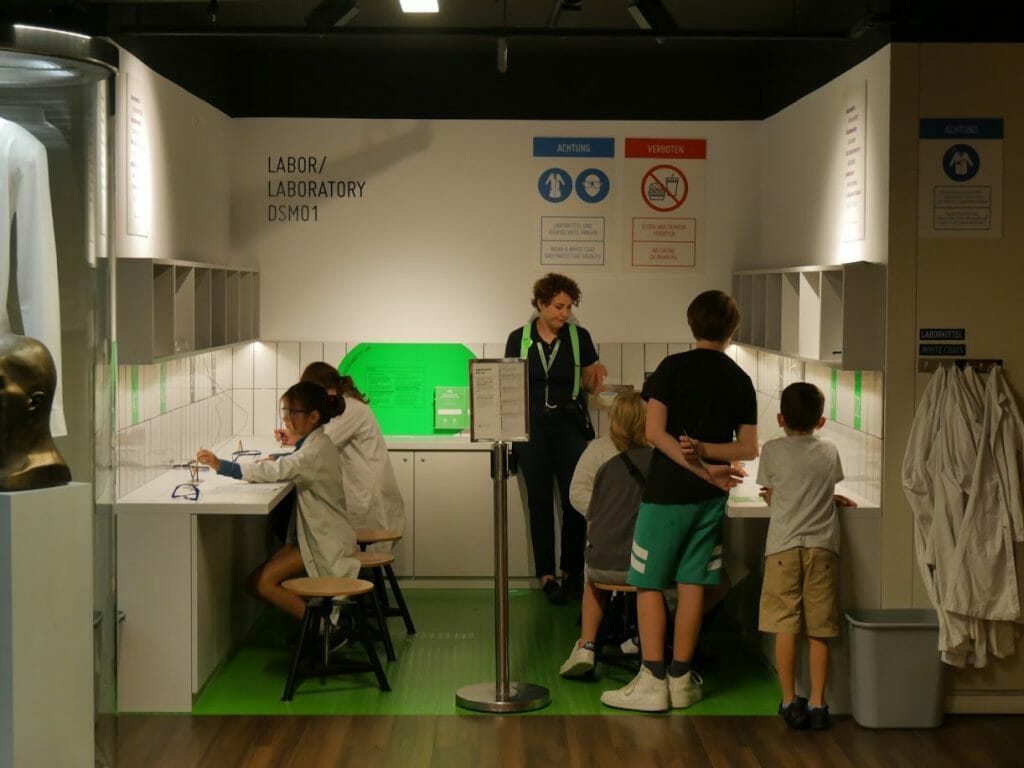 Kids in the laboratory at the German Spy Museum, Berlin