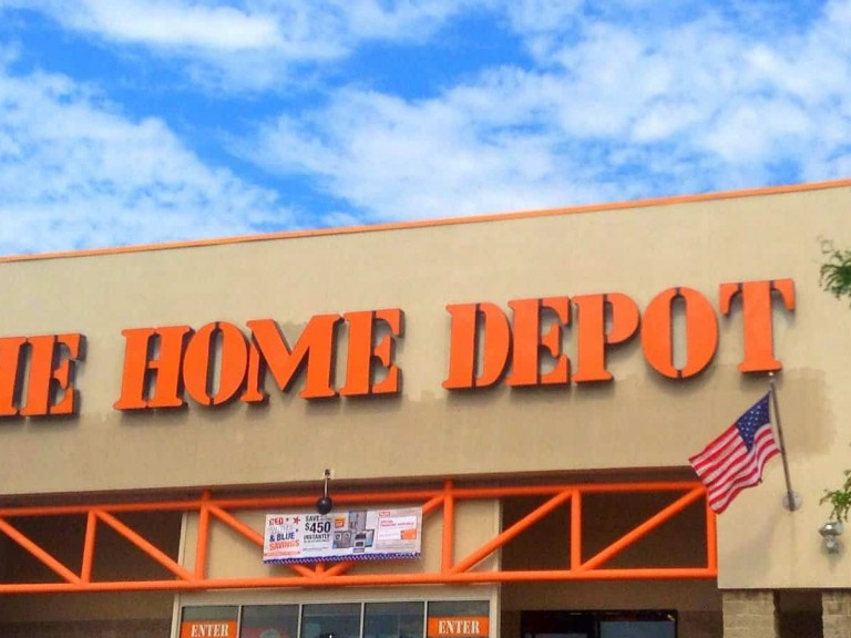 Is there a Home Depot in the UK